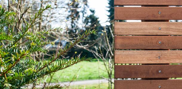 Gartenzaun aus Holz natur