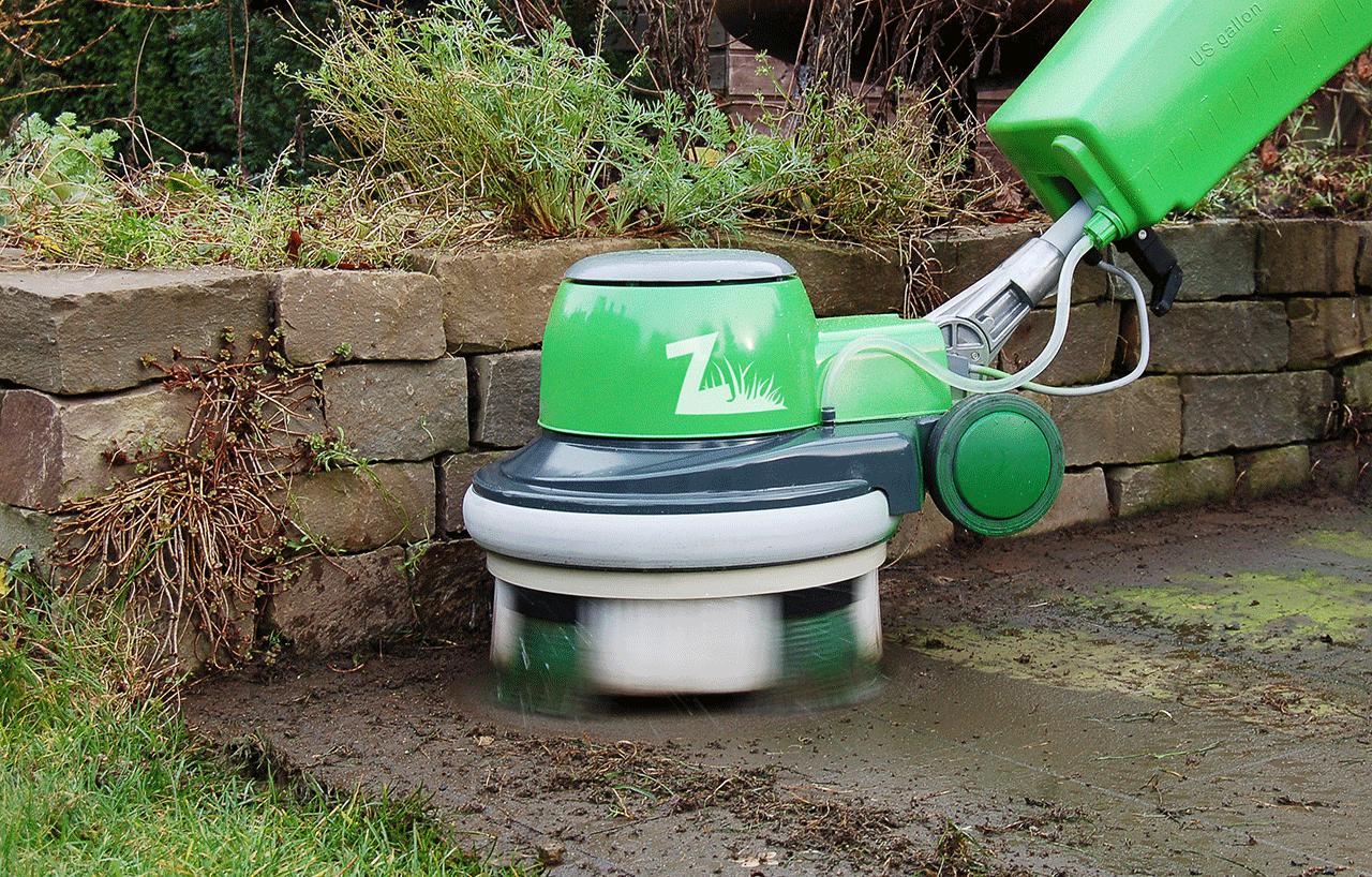 NEU Terrassen Bürstenreinigung. Effektiv gegen Moos & Algen
